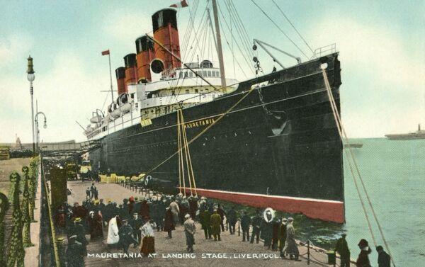 Steam ship of the Cunard line at Liverpool docks Date: 1907