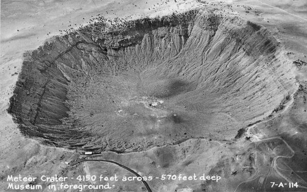 Meteor Crater - Arizona - 4150 feet across and 570 feet deep