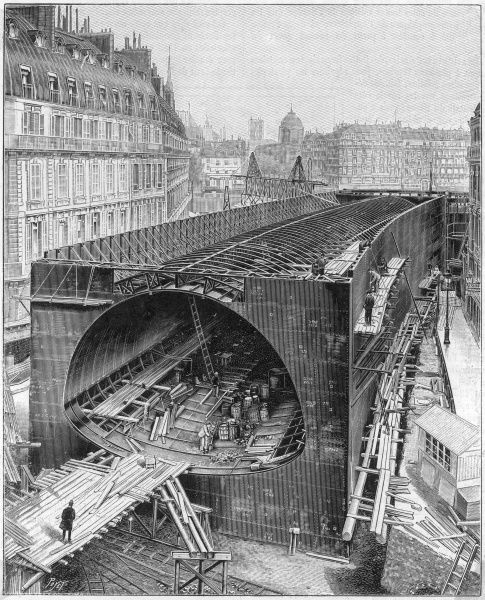 The great central caisson for the station at the Place Saint-Michel