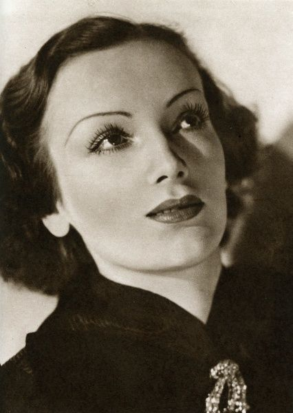 Mireille Balin, French actress. Playing Gaby in Pepe Le Moko. One of the most glamorous and best loved actresses of pre-war French cinema. Date: 1937