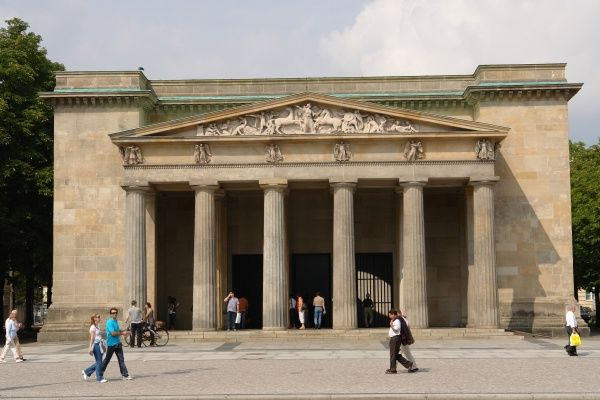 The Neue Wache (New Guard House), in central Berlin, dating from 1816. Originally built as a guardhouse for the troops of the Crown Prince of Prussia, it has been used as a war memorial since 1931
