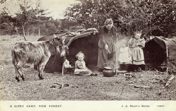 New Forest Gypsy Camp Date: circa 1906