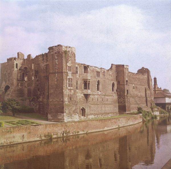 Newark Castle, Notts., dating from the 12th century, in which King John is reputed to have died in 1216. Withstood 3 sieges in the Royalist cause in the English Civil War. Date: 12th century