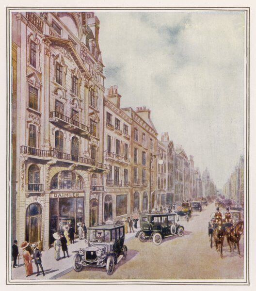 Pall Mall, showing the Daimler offices