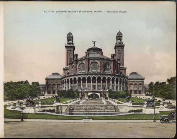 Trocadero Palace, designed by architects Davioud and Bourdais