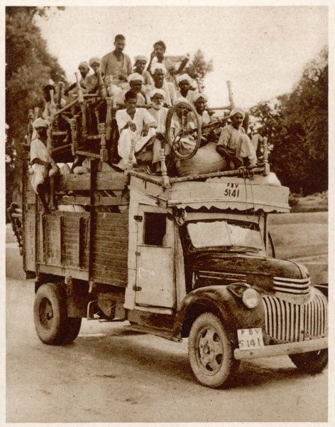 A lorryload of Sikh and Hindu refugees about to cross the Wagah Bridge between Pakistan and India to escape the mass killings and atrocities between Muslims, Sikhs and Hindus following Partition in 1947