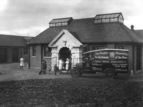 The Small Animal Ambulance of the People's Dispensary for Sick Animals (P.D.S.A.) arrives outide the Sanitorium in Ilford, Essex, England