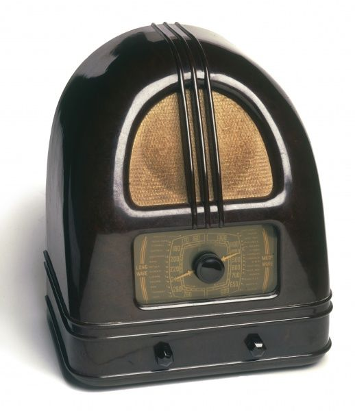 A Philco People's Set radio from the 1930s, as used in Queen's Radio Ga-ga video!