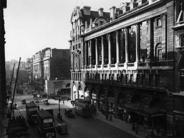 The Piccadilly Hotel and restaurant, on Piccadilly, London Date: 1947