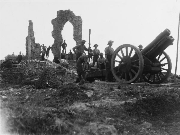 6 inch Howitzer gun ready for firing at Pilkem on the Western Front in France during World War I in August 1917