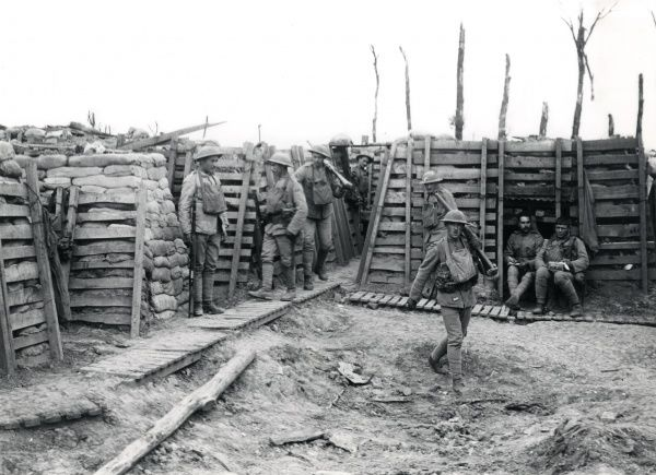 Portuguese troops in the trenches near Neuve Chapelle, northern France, during the First World War. Date: June 1917