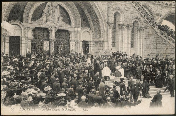 Preaching to pilgrims gathered in front of the Rosary Date: circa 1905