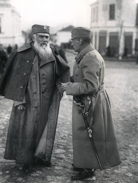 Nikola Paschitsch, President of the Serbian Council, conversing with Crown Prince Alexander of Serbia during the First World War. Date: circa 1916-1917