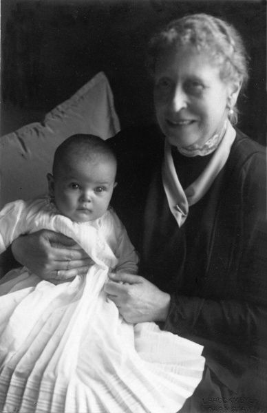 Princess Victoria of Hesse, later the Marchioness of Milford Haven (1863-1950) with her great grandson, Ludwig Ernst Andreas of Hesse