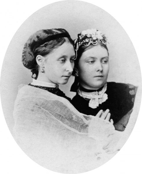 Queen Victoria's two eldest daughters: on the right, Vicky, Princess Royal, Crown Princess, later Empress of Prussia (1840-1901) and Princess Alice, Grand Duchess of Hesse (1843-1878)
