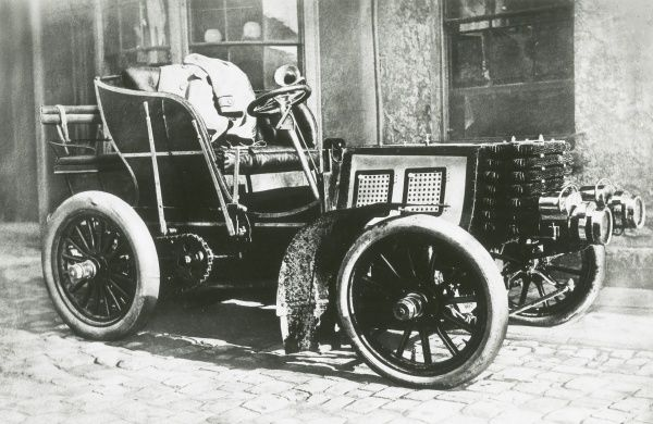 Racing car, Gordon Bennett Napier, 16 horse power with a 4 cylinder engine, 1901 Date: 1901