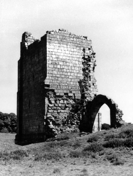 The ruins of Ravensworth Castle, home of the Fitzhugh family. Built out of sandstone, the castle was used as a quarry by the locals. Abandoned 16th century. Date