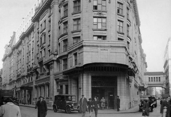 Regent Palace Hotel, on Regent Street overlooking Piccadilly, London Date: 1947