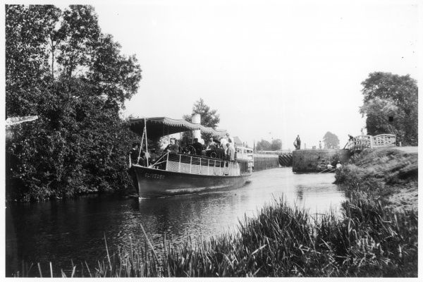 "The river steamer ""Cliveden"" on the Thames at Abingdon"