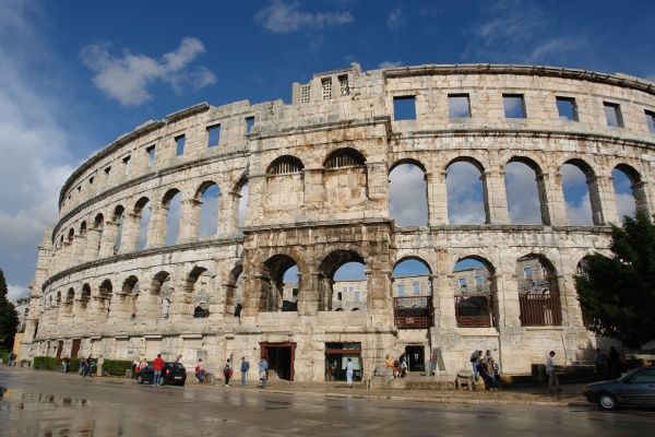 Image result for Pula Arena 600 x 400