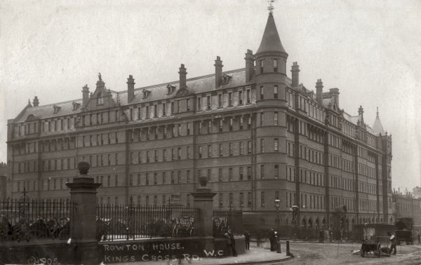 The Rowton House at Kings Cross, London. Rowton Houses provided cheap hostel-style accommodation for working men. Date: Date unknown