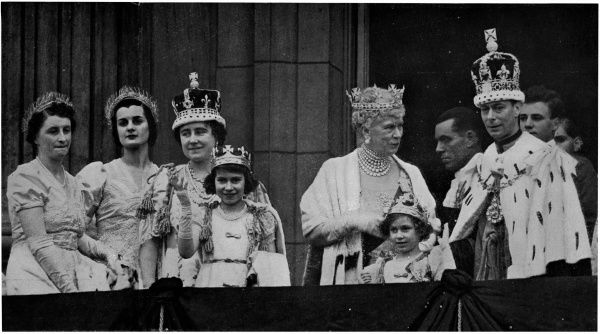 After the Coronation, Princess Elizabeth and Princess Margaret join their parents King George VI and Queen Elizabeth on the balcony of Buckingham Palace. The Queen Mother (Queen Mary) can be seen talking to the King. 1937