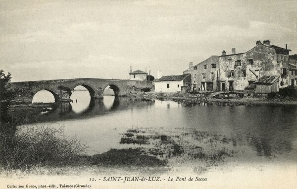 Saint Jean-de-Luz - a commune in the Pyrenees-Atlantiques department in south-western France. In the traditional province of Lapurdi of the Basque Country. View of the Socoa Bridge on the River Nivelle. Date: circa 1910s
