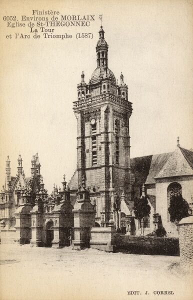 Saint-Thegonnec, Finistere, France - Eglise de Notre Dame - The Tower and Triumphal Arch (1587) Date: circa 1910s