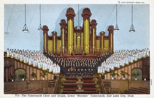 The 900 'Singing Mothers' of the Church of Jesus Christ of the Latter-day Saints (The Mormons) Relief Society performing in front of the organ inside the Salt Lake Tabernacle, Salt Lake City, Utah, USA. Date: 1938