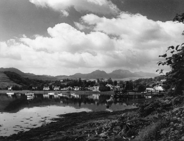 The town of Garelochead, which nestles at the end of Gareloch, Dunbartonshire, Scotland, with the mountains of Argyllshire in the distance. Date: 1950s
