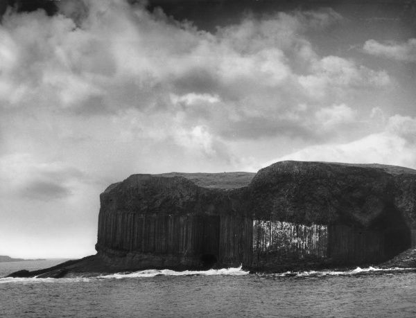 Basalt formations on the Isle of Staffa, 'Isle of Staves or Columns' off the west coast of Mull, Scotland. Date: 1950s