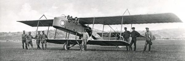 Men of the Serbian Air Force, including Lieutenant Melc, with a biplane from the 1st Division at Ufa during the First World War. Date: 1914-1918