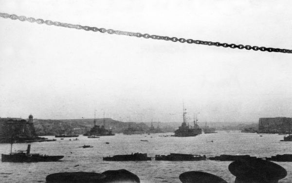 Ships in the harbour at Valletta, Malta, during the First World War. Date: 1914-1918