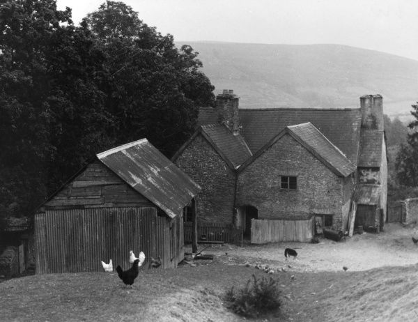 Garbitt Hall, an old farm standing on Offa's Dyke, ner Clun, south west Shropshire, England. Date: 1930s