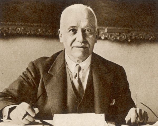 Sir Henri Deterding(1866-February 4th 1939), oil magante and formerly managing director of the Royal Dutch Petroleum Company. Deterding was born in Amsterdam in 1866, and began his career as a bank clerk. In 1896 he joined the Royal Dutch Oil Company