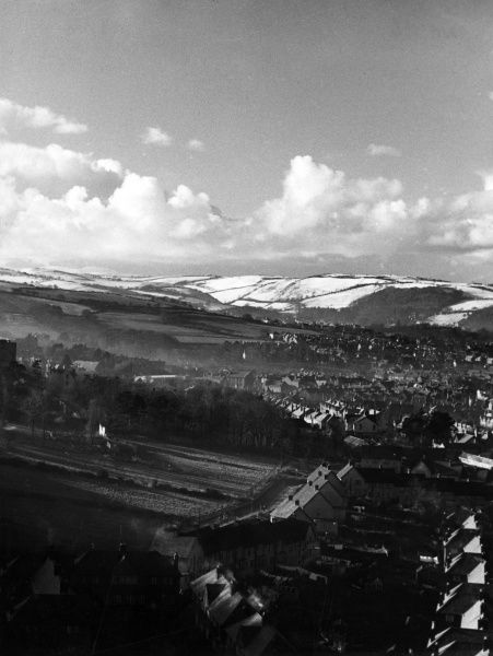 A winter view, overlooking snow-covered Old Colwyn, Denbighshire, North Wales. Date: 1960s