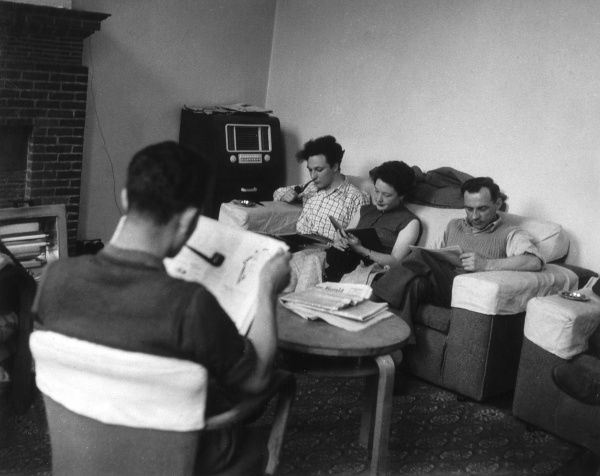 Undergraduates relaxing in the Common Room at Ruskin College, Oxford Date: 1950s