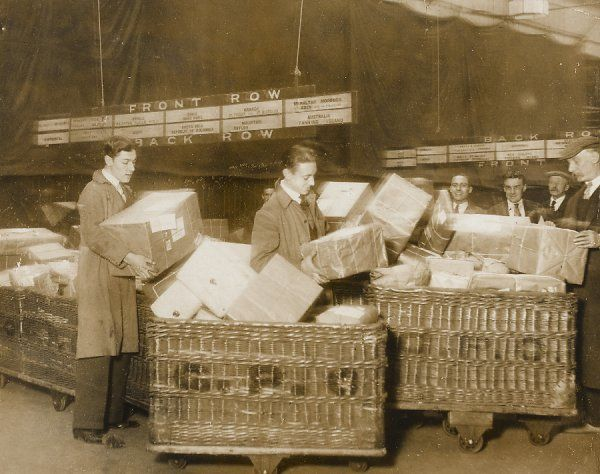 One of the hundreds of groups of auxiliaries at the General Post Office (GPO), dispatching parcels to distant colonies during the usual Christmas postal rush