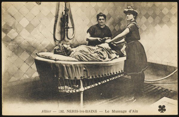 Neris les Bains: visitor is given a massage