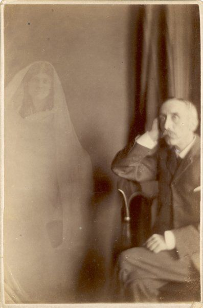 Photo by English spirit photographer Richard Boursnell showing Mr Rist and an unidentified female spirit, probably wife or daughter
