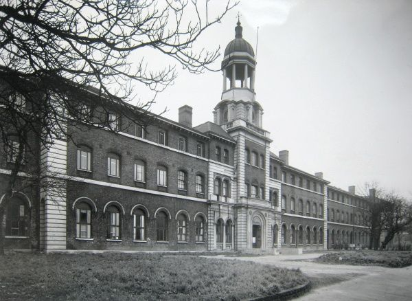 The Stepney Union workhouse on St Leonard's Street, Bromley-by-Bow opened in 1873 and was designed by Henry Jarvis. After the Second Word War, it was known as Bromley House and used to house homeless families. Date: 1930s