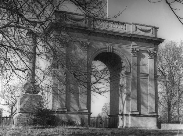The fine Corinthian Arch of Stowe House, Buckinghamshire, England. Designed by Thomas Pitt in 1764 -65, completed 1767 as the focal point of the vista from the south front. Date: 18th century