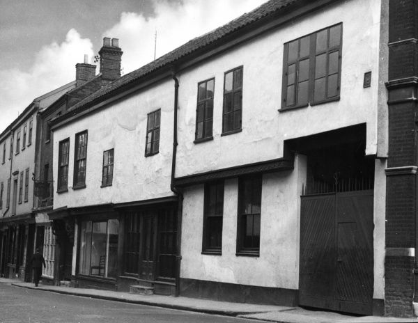 The lovely old street frontage of the medieval merchant's house called Strangers' Hall, Norwich, Norfolk, England. Date: 14th to 18th century
