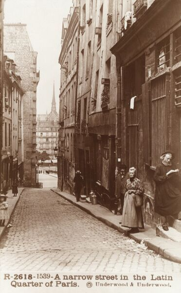 A narrow street in the Latin Quarter, south of the River Seine, Paris, France Date: circa 1910s