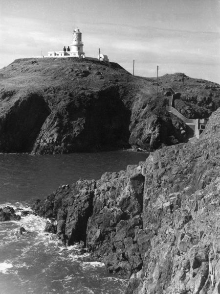 Strumble Head Lighthouse, near Fishguard, Pembrokeshire, Wales. Date: built 1908