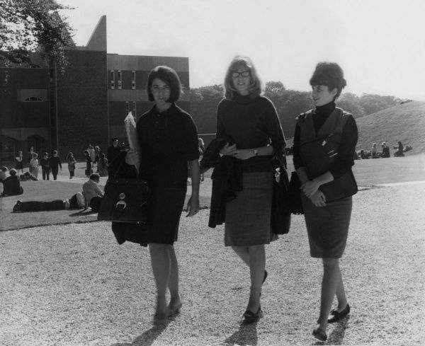 Three fashionable young women, students at Sussex University, England. Date: 1962