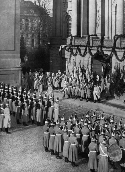 Kaiser Wilhelm II arriving at Potsdam for the annual swearing in of new army recruits