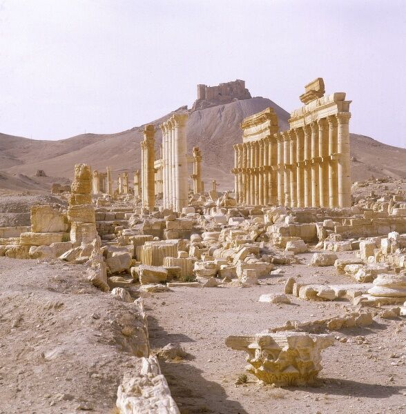 The impressive colonnade of Roman pillars at Palmyra, Syria. Date: 1993