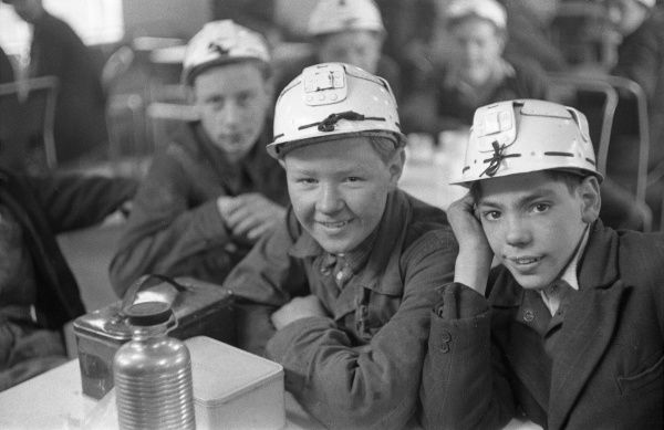 Mining Technical Institute, Burnley, Lancashire, England. A class of teenage boys in hard hats, all hopeful to be one of tomorrows miners