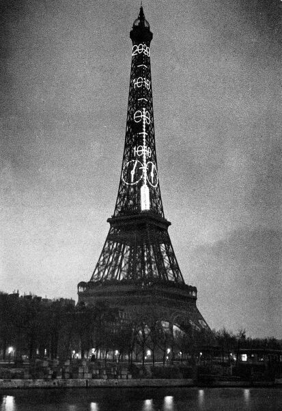 Photograph of a Thermometer whose readings covered 525 feet of the Eiffel Tower, Paris, March 1934